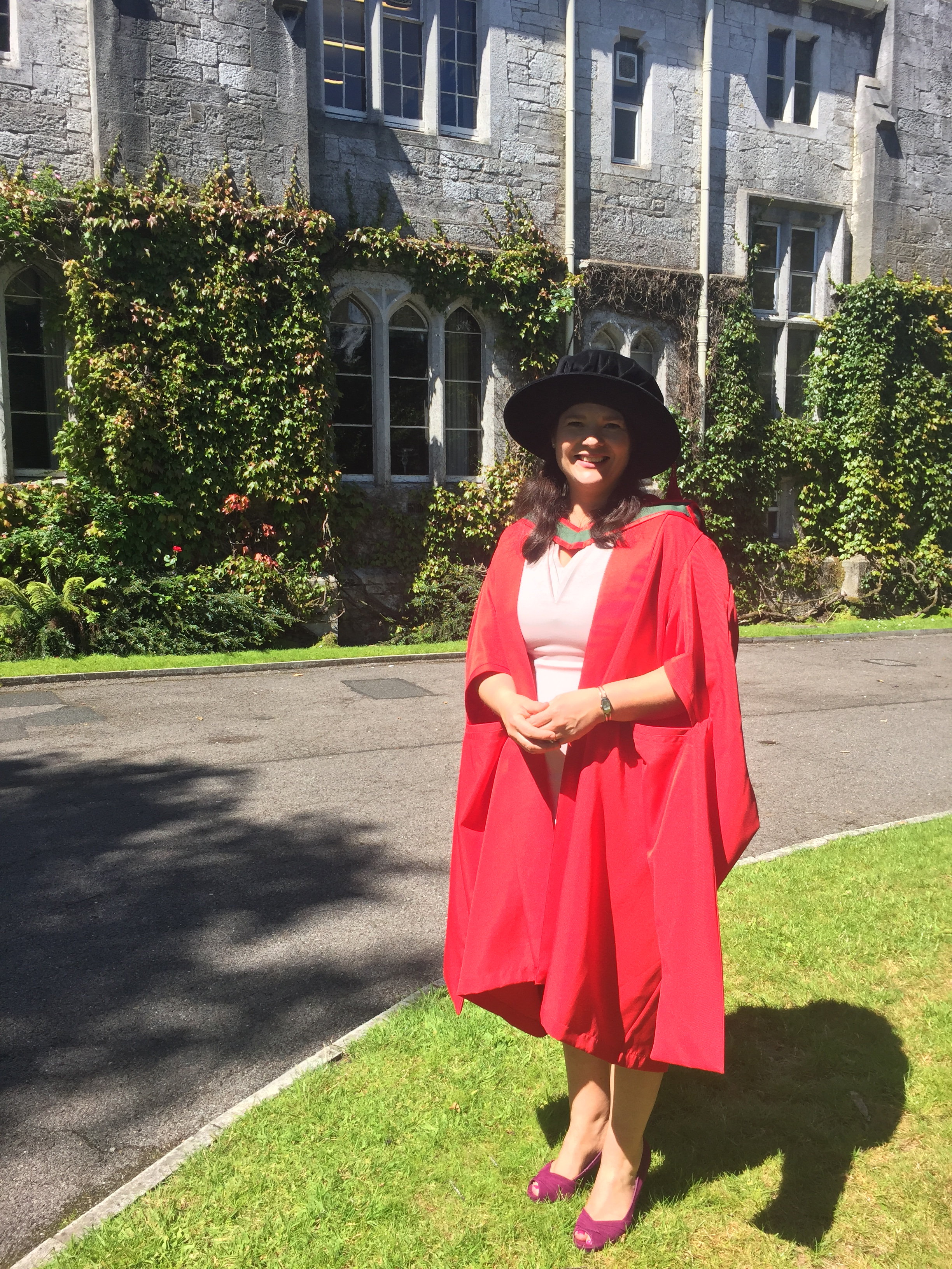 Dr Elaine Walsh achieves her PhD and awards for her work