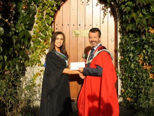 Rebecca Weldon wins Johnson and Johnson BSc Biotechnology Prize