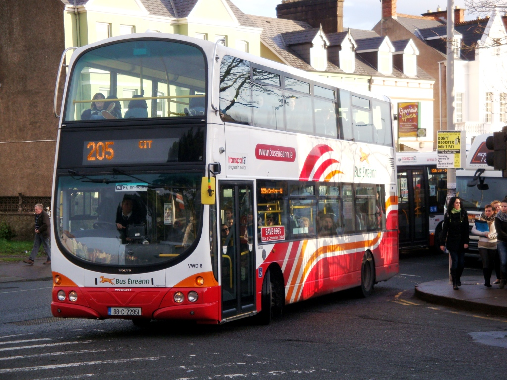 Bus Eireann Nightrider bus services at Weekends